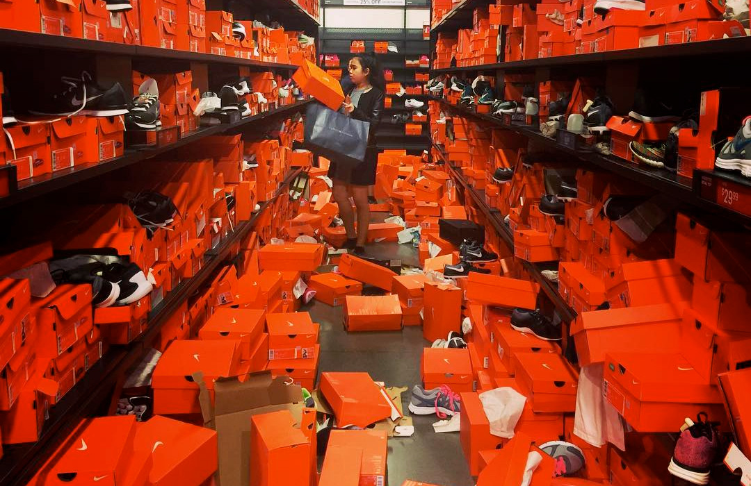 Der Black Friday im Nike Factory Outlet Store in Seattle ...