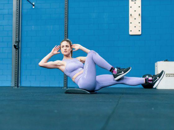 Frau im Fitnesstraining